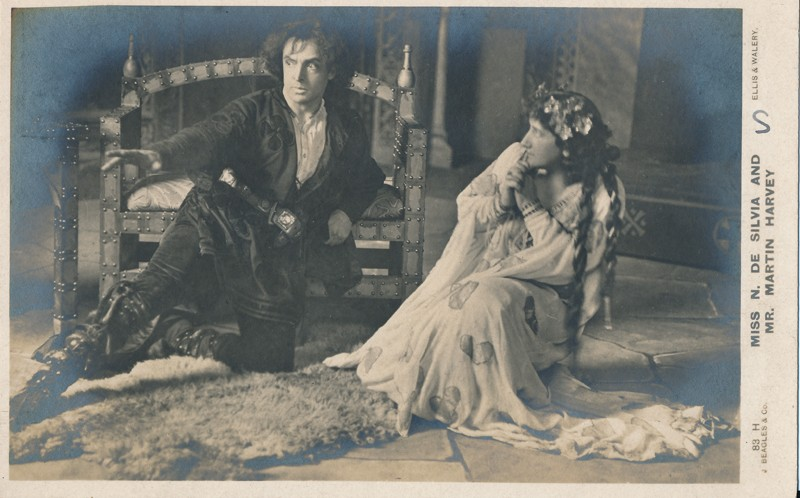 "Martin Harvey as Hamlet and Nina de Silva as Ophelia in ""Hamlet"""