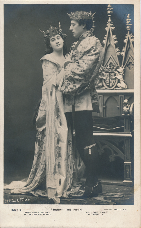 "Sarah Brooke as Queen Katharine and Lewis Waller as Henry V in ""Henry the Fifth"""