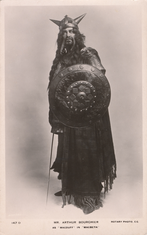 """Arthur Bourchier as Macduff in """"Macbeth"""""""