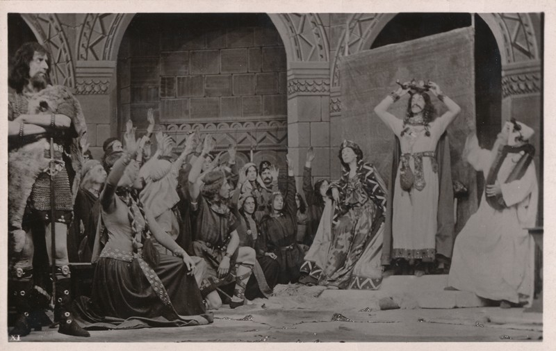 "Frank Benson as Macbeth, Constance Benson as Lady Macbeth, and Murray Carrington as Banquo in ""Macbeth"""