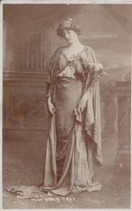 Viola Tree in a role in an unidentified play